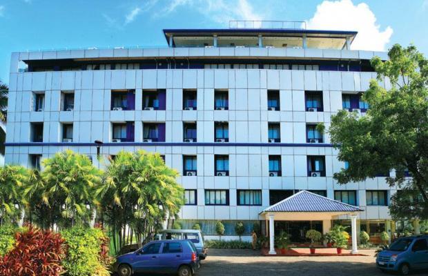 фото отеля The Capital (ех. Hotel Geeth International) изображение №1