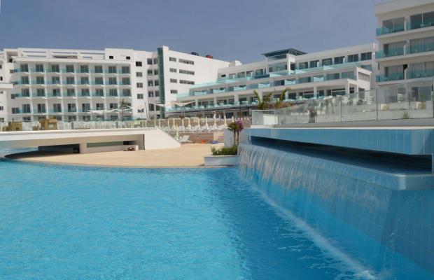фото отеля King Evelthon Beach Hotel & Resort изображение №1