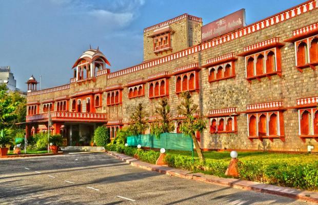 фото отеля Jaipur Ashok изображение №1