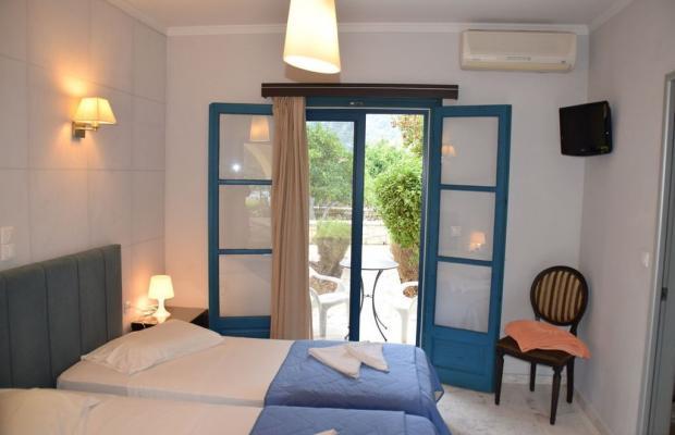 фотографии отеля Karavostasi Beach Hotel изображение №23