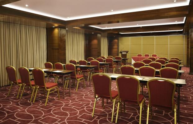 фото Four Points by Sheraton Ahmedabad (ex. Royal Orchid Central) изображение №18