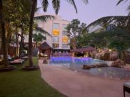 Novotel Goa Shrem Resort, 5*