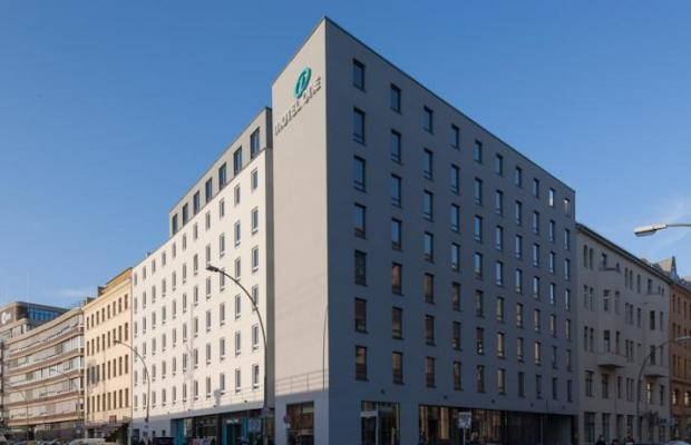фото отеля Hotel Motel One Berlin-Hackescher Markt (ex. Motel One Berlin Alexanderplatz) изображение №1