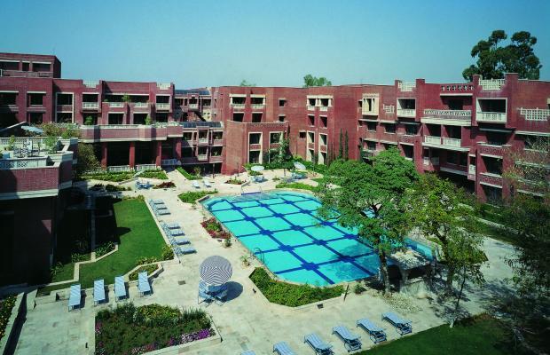 фото отеля ITC Rajputana, A Luxury Collection (ex. Sheraton Rajputana Palace) изображение №1
