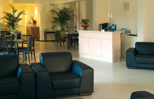 фотографии International Hotel изображение №8