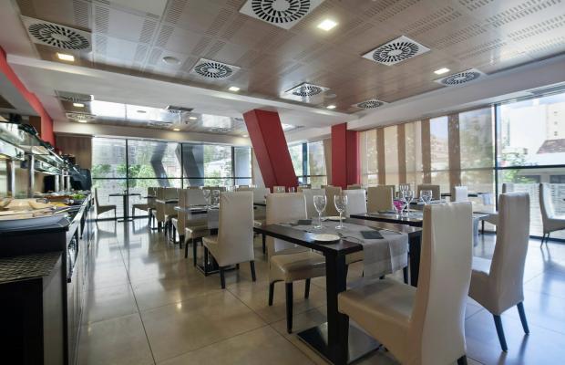 фото отеля Hotel 4 Barcelona изображение №41
