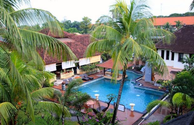 фото отеля Bakungs Beach Hotel изображение №1