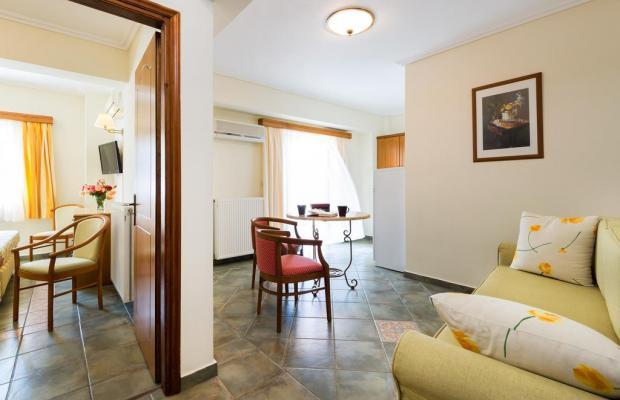 фото отеля Andreolas Luxury Suites изображение №25