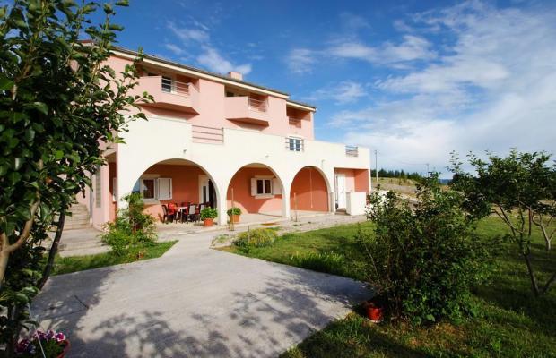 фото отеля Apartment Vrkici (ex. Apartment Novigrad; bb3 Room House 60 M2 Inh 32789) изображение №1