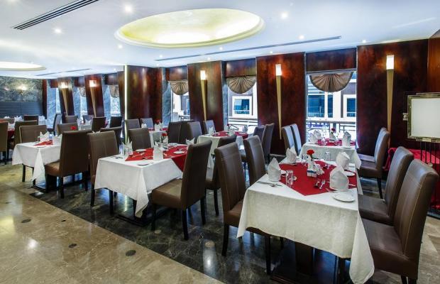 фото Summit Hotel (ex. Hallmark Hotel; Commodore; Le Baron) изображение №2