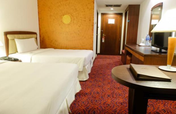 фото отеля Zenith Sukhumvit (ex. Hampton Inn) изображение №9