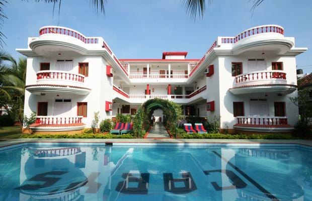 фото отеля Cary's изображение №1