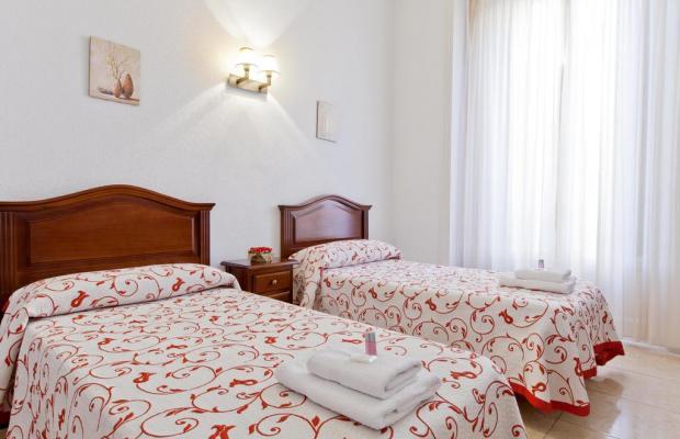 фотографии отеля Hostal Condestable изображение №7