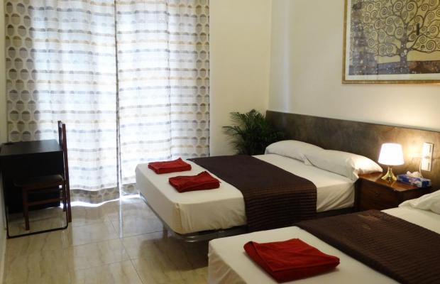 фотографии отеля Hostal Mont Thabor изображение №11