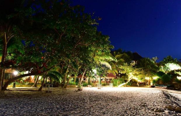 фото отеля Alona Tropical Beach Resort изображение №9