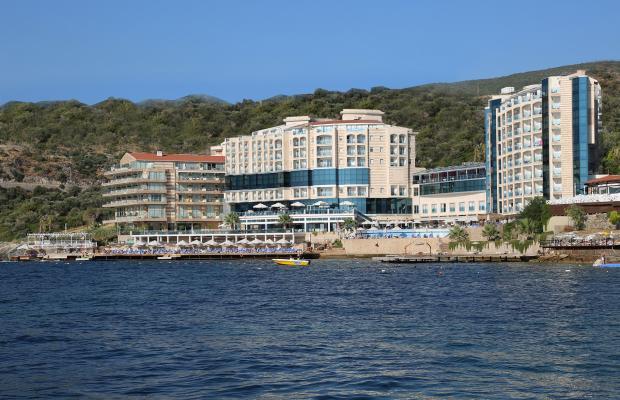 фото отеля Charisma De Luxe Hotel изображение №1