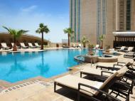 Sofitel Abu Dhabi Corniche, 5*